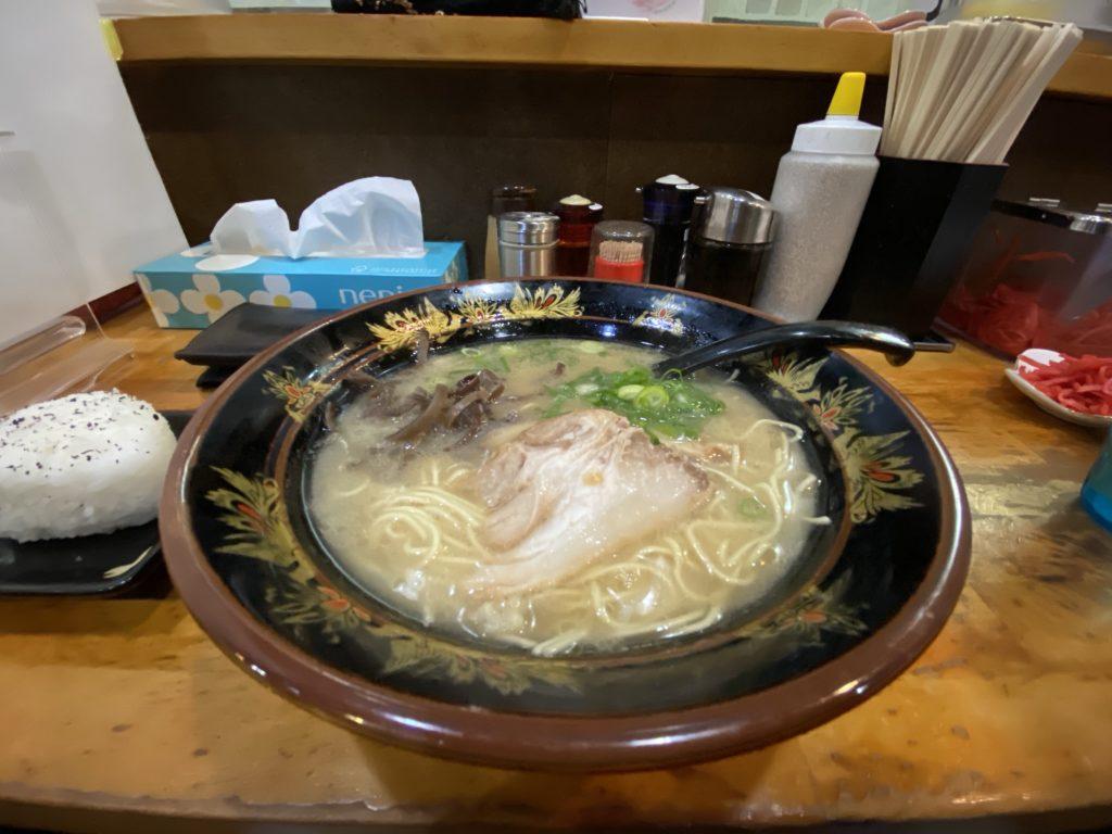 元祖中洲屋台ラーメン 一竜 川端本店にて撮影した写真
